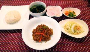 カンボジア料理、神楽坂バイヨンのランチ